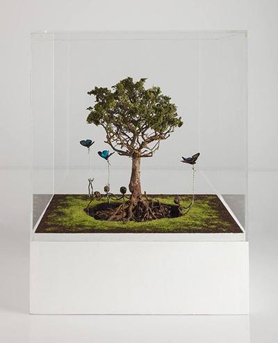 Hugo Bruce Into the Light  Latón, tierra y resina, 40 cm x 40 cm x 60 cm  2015 Espacio Valverde  C6