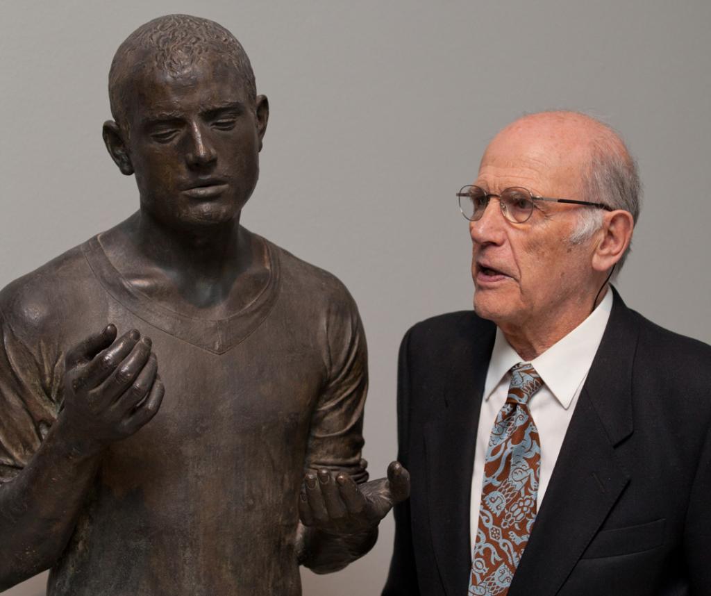 El escultor Julio López Hernández