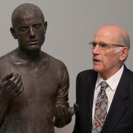 Muere el escultor Julio López