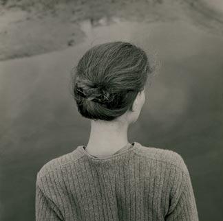 Emmet Gowin. Edith, Chincoteague, Virginia, 1967. Colecciones Fundación MAPFRE. © Emmet Gowin, cortesía Pace/MacGill Gallery, New York