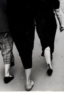 Oriol Maspons. Tres jambes, 1956