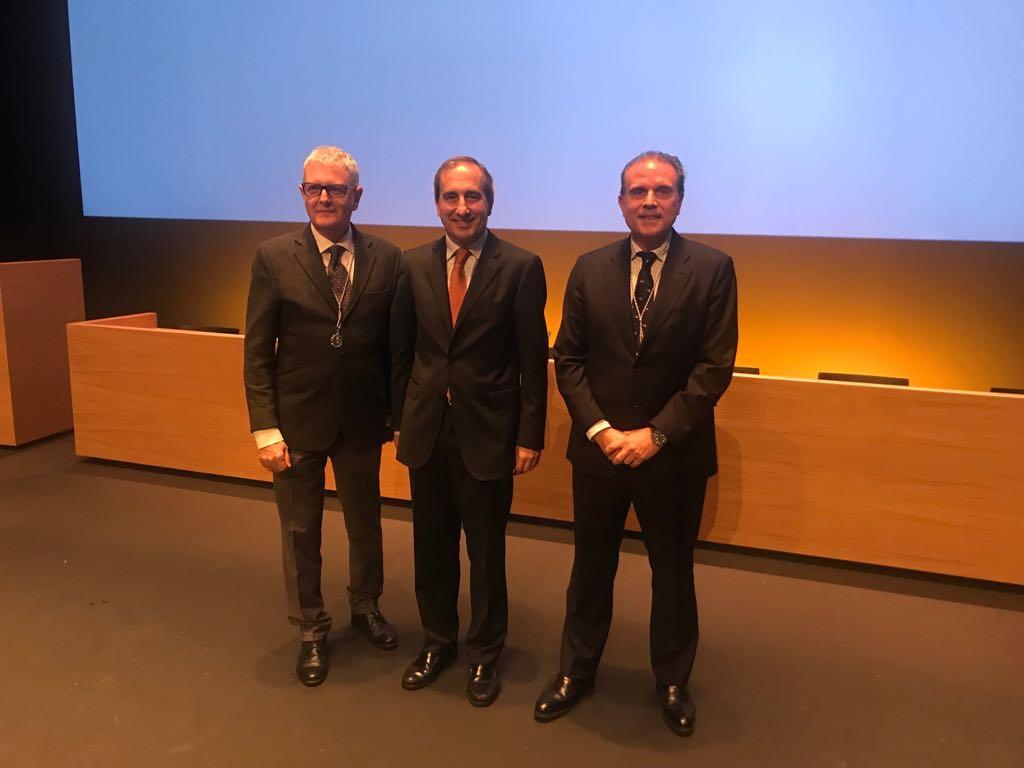 Valentín Vallhonrat y Rafael Levenfeld, Medallas de Plata de la Universidad de Navarra