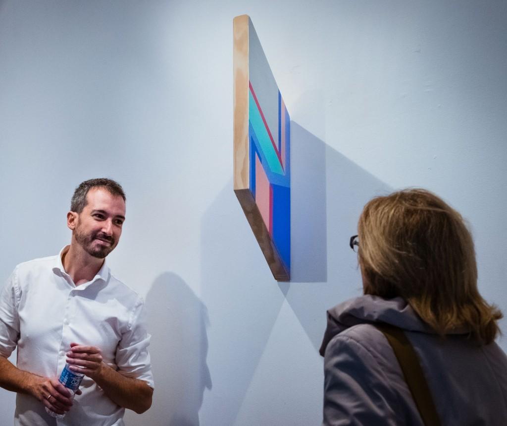 """Rubén Fernández Castón en la exposición """"Entre líneas"""", en la Galería La Isla, Madrid 2016"""