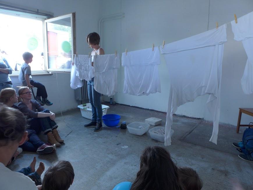 Alba Navas Salmerón. Culo blanco, Performance-instalación, Camelia das Szenarium des Nichts, Urban Festival, kreativ Quartier, Munich 2016