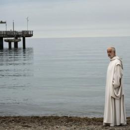 Las confesiones. Película de Roberto Andó con Toni Servillo dando vida a un monje cartujo
