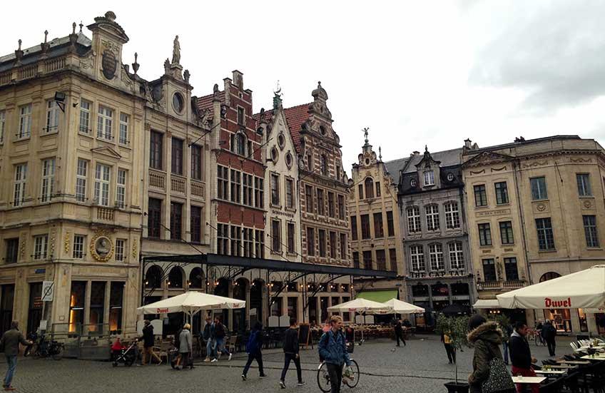 Oude Markt o la barra más larga del mundo..., Lovaina