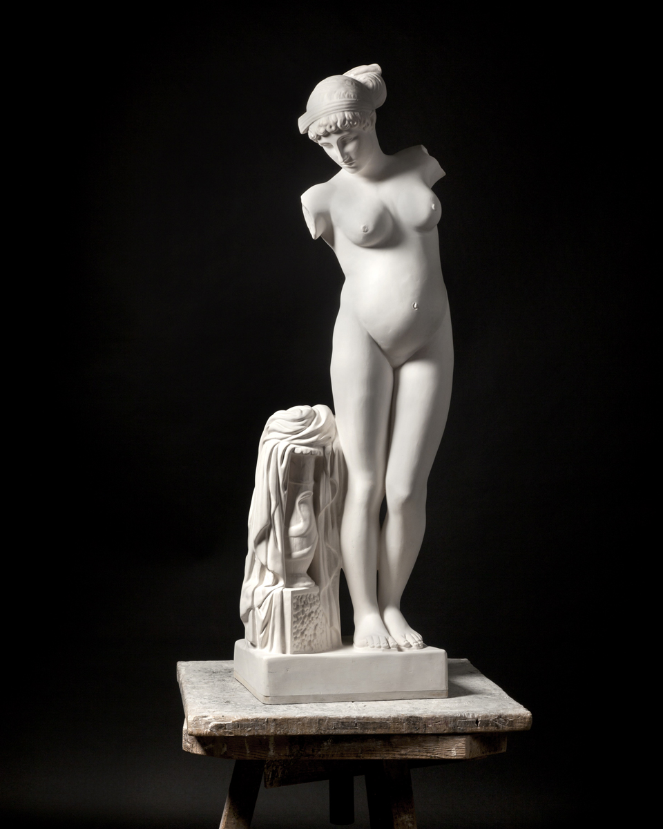 "'Mateo Maté. Canon'  ""Venus del Esquilino (embarazada)"", 2016. Foto: Paco Gómez І NOPHOTO"