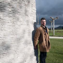 Asier Mendizabal, ganador de la II Bienal de Escultura Monumental de Fundación Otazu