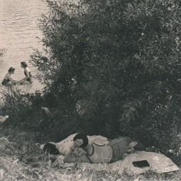 Henri Cartier-Bresson. Primeras vacaciones pagadas, orillas del Sena, Francia, 1936. Colección Fundación Henri Cartier-Bresson, París © Henri Cartier-Bresson/Magnum Photos, cortesía Fundación Henri Cartier-Bresson