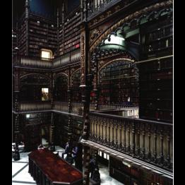 Caio Reisewitz. Real Gabinete Português de Leitura, 2004. Cortesía de Luciana Brito Galeria, São Paulo. © Caio Reisewitz