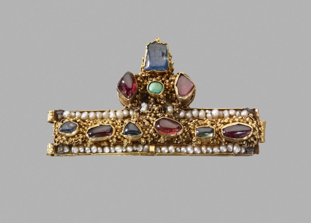 Fragmento de corona, 1250-1300. Hungría o Francia © The Trustees of The British Museum (2016)
