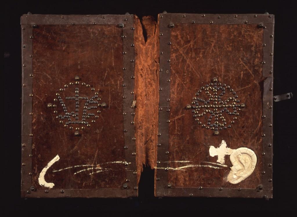 Antoni Tàpies. Cubiertas de libro, 1987. Colección particular, Barcelona © Herederos de Antoni Tàpies / Vegap, Madrid