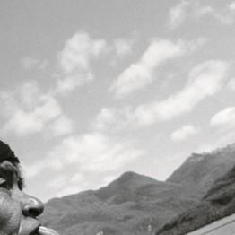 Paz Errázuriz. Atáp, Ester Edén Wellington, Puerto Edén, de la serie Los nómadas del mar, 1995. Colección Charles Brooks, Nueva York. © Paz Errazuriz