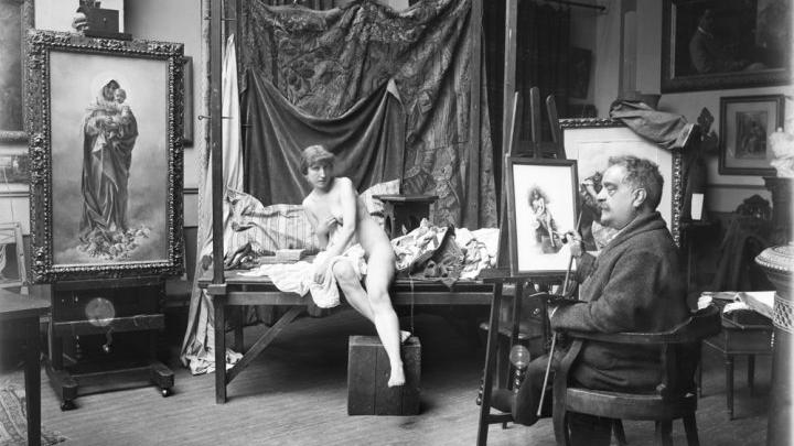 Mariano Moreno. El pintor García Mencía con una modelo en su estudio