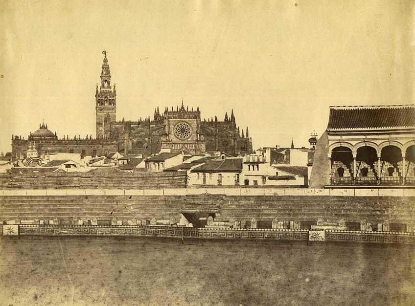 Luis Masson. Sevilla. Interior de la Plaza de Toros y Catedral.