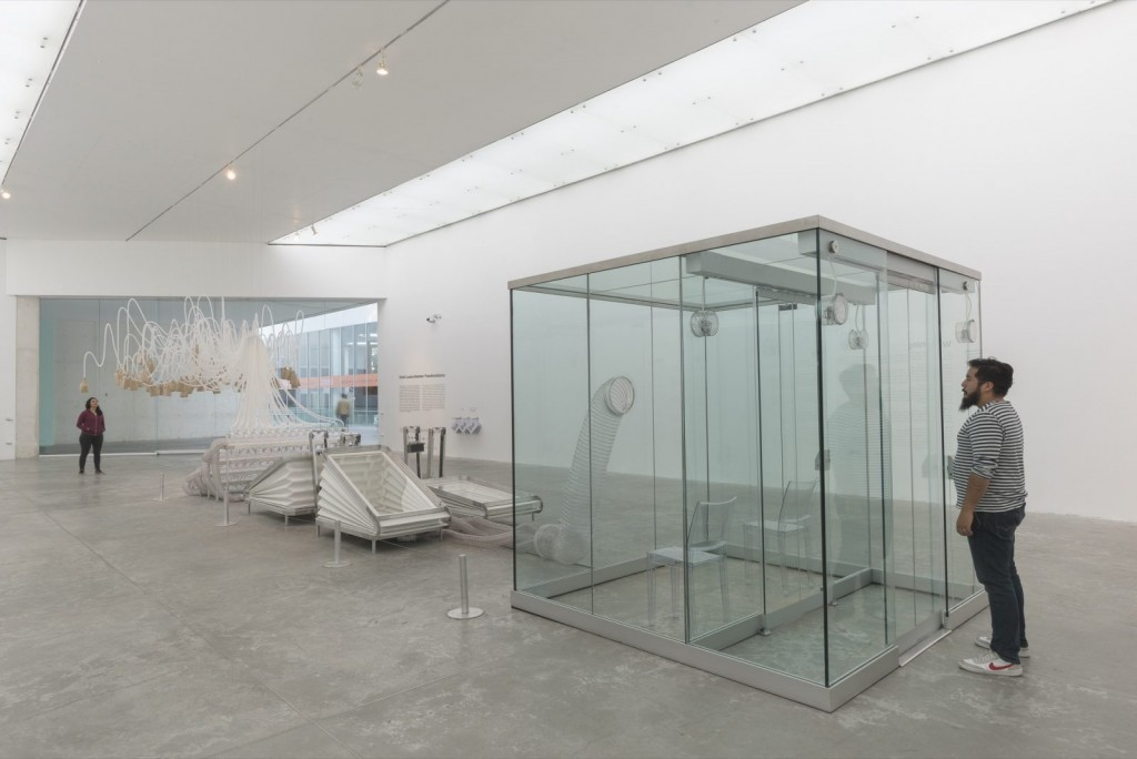 Rafael Lozano-Hemmer. Vicious Circular Breathing, 2013