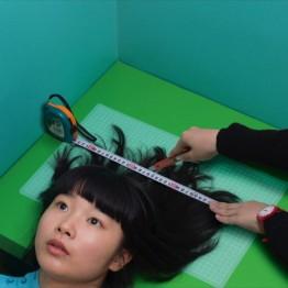 Fundación Prada Milán. Izumi Miyazaki. Hair cut, 2016. © Izumi Miyazaki