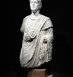 El Museion presenta la primera retrospectiva de la escultura de Francesco Vezzoli