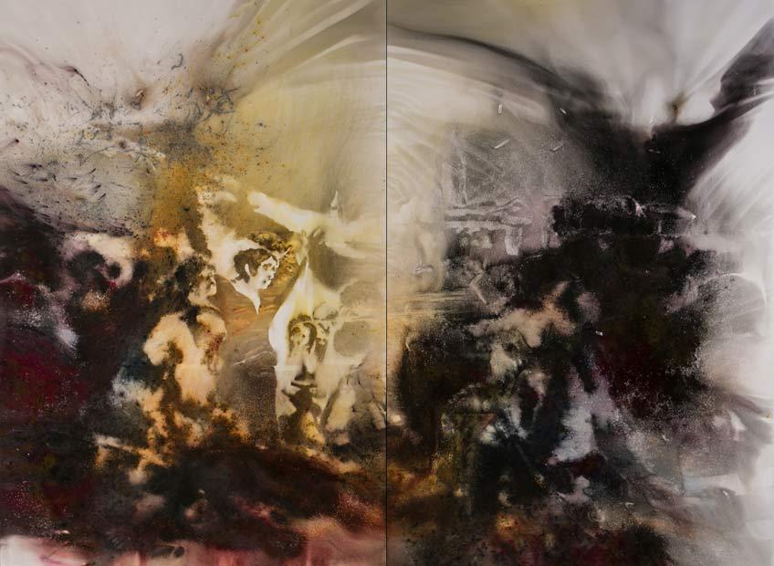 Cai Guo-Qiang, Pintando el 3 de Mayo de Goya, 2017. Pólvora sobre lienzo, 239 x 300 cm.en conjunto. Fotografía de Yvonne Zhao, cortesía de Cai Studio