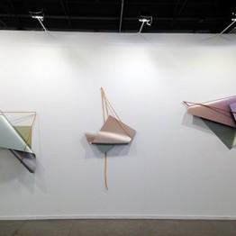 Tres piezas de Inma Femenía en galería Punto (Valencia)