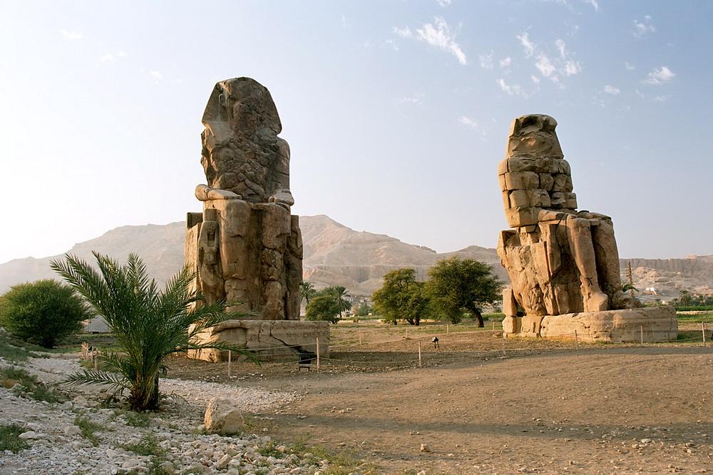 Colosos de Memnon, Tebas