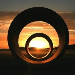 Obras de Land art hecho por mujeres: Nancy Holt. Sun Tunnels, 1973-1976
