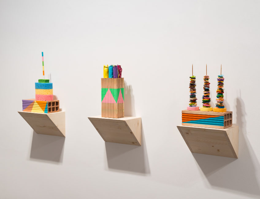 """Albert Pinya. Artefactos pictóricos en la exposición """"Panta Rei"""". Galería Pelaires, 2018. © David Bonet"""