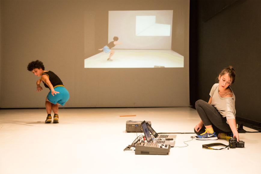 Helena y Julia Martos. Cartografías Derivadas. Antic Teatre, Barcelona 2018. Fotografía: Alessia Bombaci