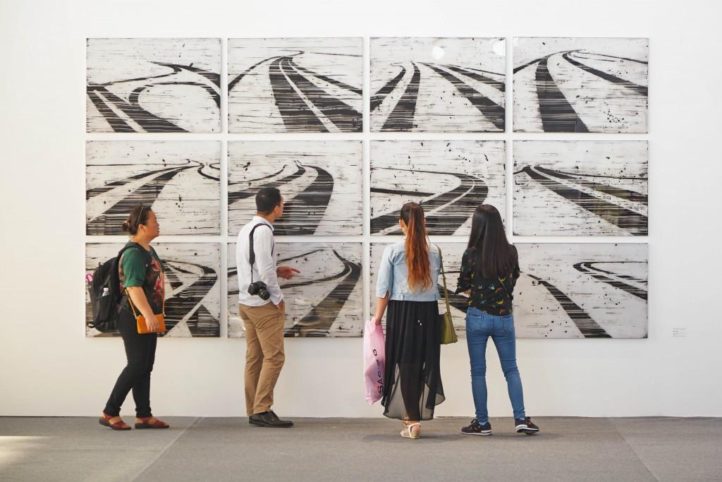 Keke Vilavelda. Tracks: landscape and artifice, 2015