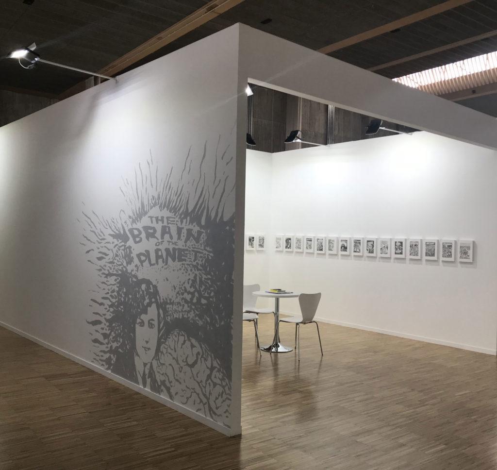Lorena Amorós en el stand de la Galería Adora Calvo en ARTESANTANDER 2018