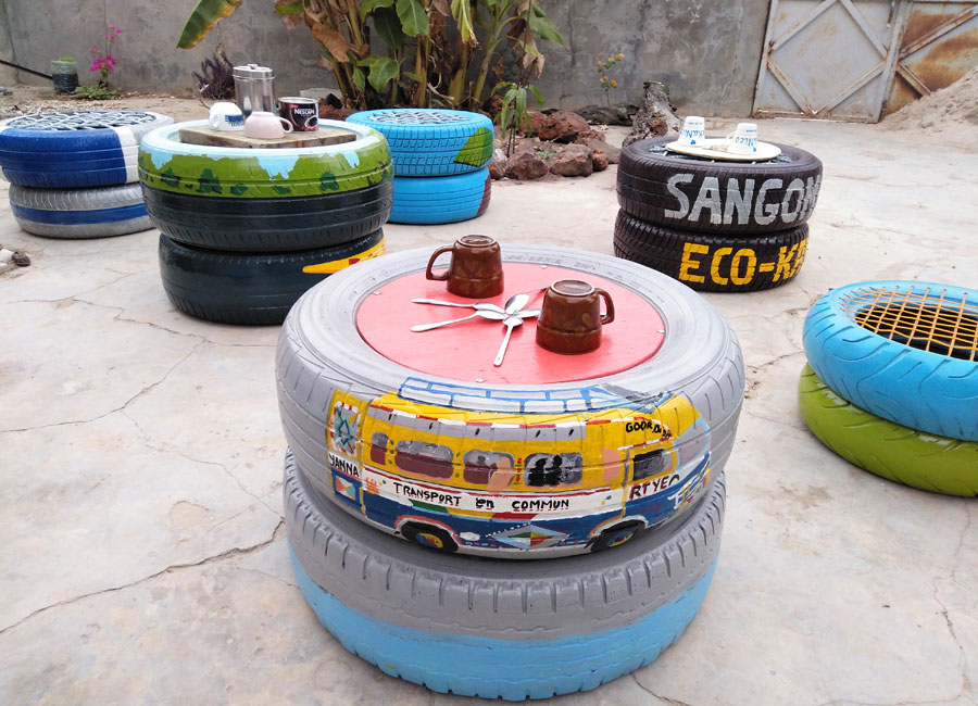 Nekane Manrique. NekaNico pneus recycleaning. Senegal, 2018