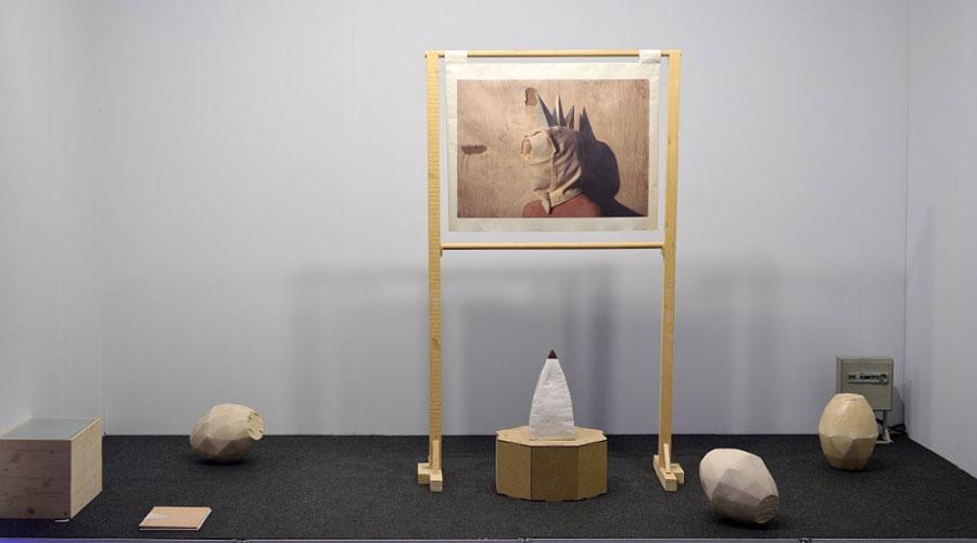 Raquel Asensi. El símbolo es un arma de doble filo, 2017