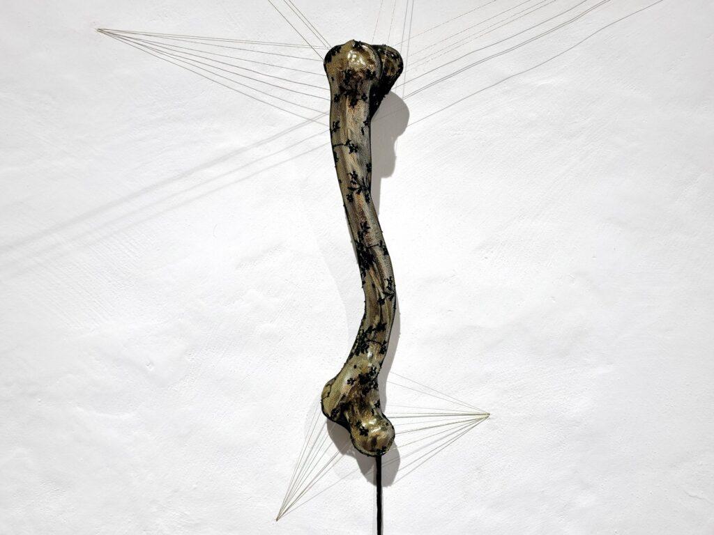 """Romina Rivero. Tatemae (en lo público), 2021. """"Ikigai. Anatomía de las luciérnagas"""". Galería Artizar, 2021"""