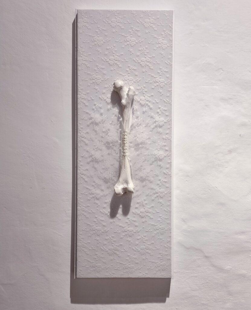 """Romina Rivero. Honne (en lo privado), 2021. """"Ikigai. Anatomía de las luciérnagas"""". Galería Artizar, 2021"""