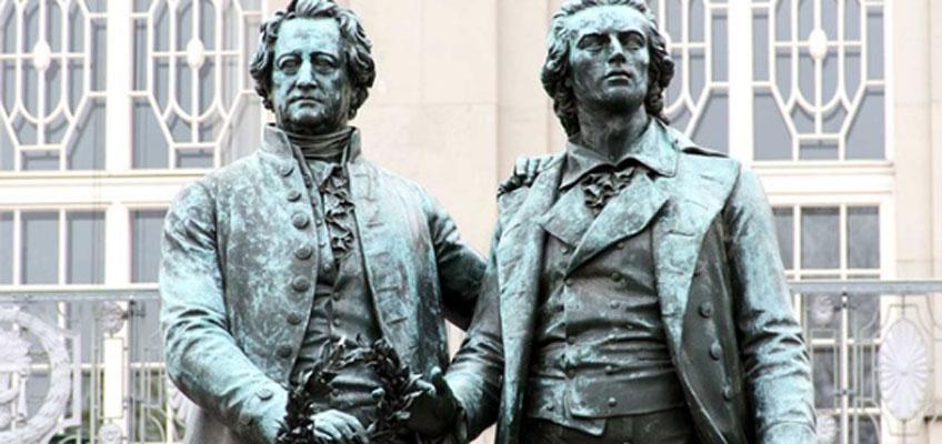 Estatua que homenajea a Schiller y Goethe en Weimar