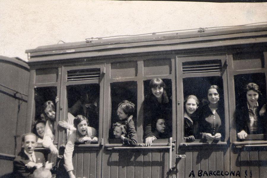 Alumnas del Instituto-Escuela de viaje a Barcelona, años veinte. Residencia de Estudiantes, Madrid