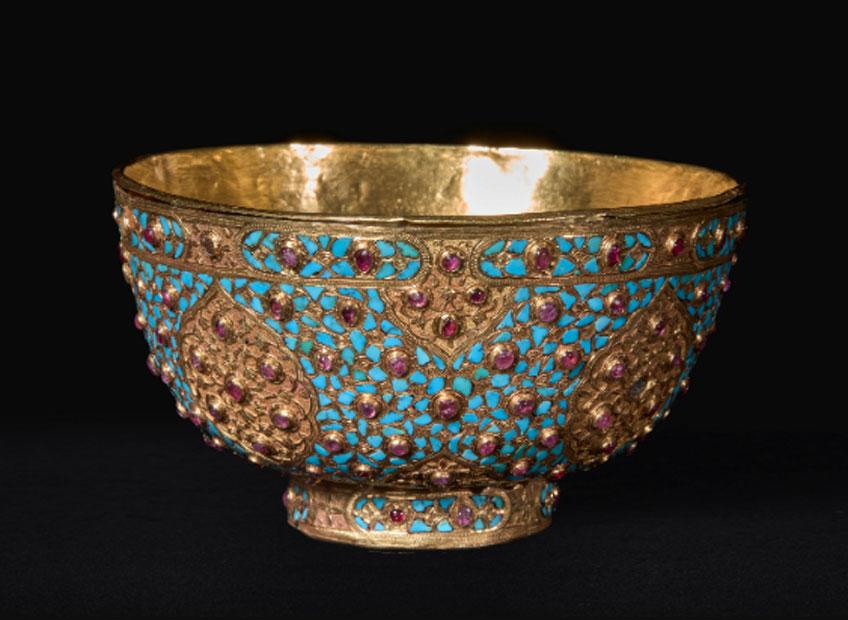 Taza de oro con turquesas y rubíes, 1580-1630. Museo Nacional del Prado