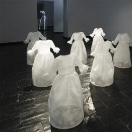 Elisa Torreira: sobre vestido y protección