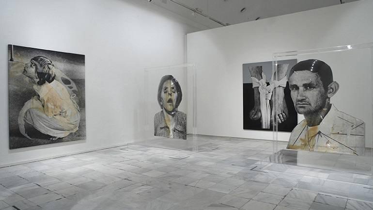 Vista de sala de la exposición. Darío Villalba. Una visión antológica 1957-2007 en el Museo Reina Sofía