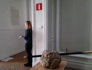 Un momento de la performance de Marta Fernández Calvo, 696 pulsaciones