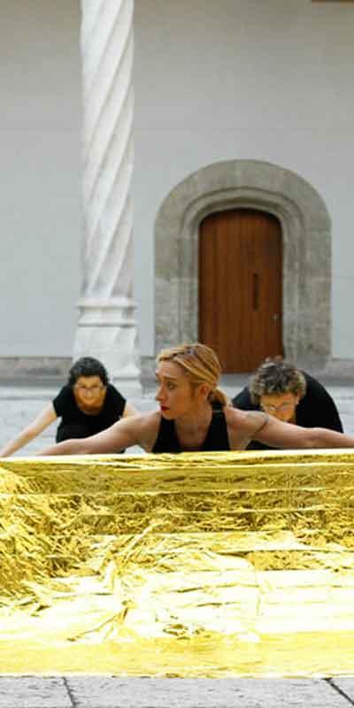 Ensayo del taller de danza «Museo, ¿bailas conmigo?», a cargo de la bailarina y coreógrafa Lola Eiffel