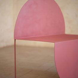 Caotics. Arte y diseño. Butaca La Redonda Diseñador: Bodegón Cabinet, Barcelona.