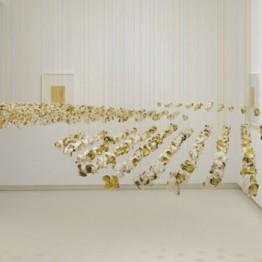 Exposición de Pae White en la galería Elvira González de Madrid