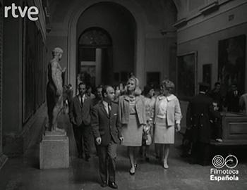 """""""Miss Mundo (Lesley Langley) visita el Museo del Prado"""", 1966. Noticia extraída de NO-DO. Imágenes cedidas por Filmoteca Española."""