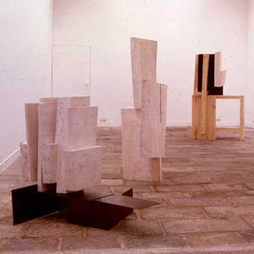 Elena Mendizábal en la exposición de la Sala Montcada, Barcelona, 1989