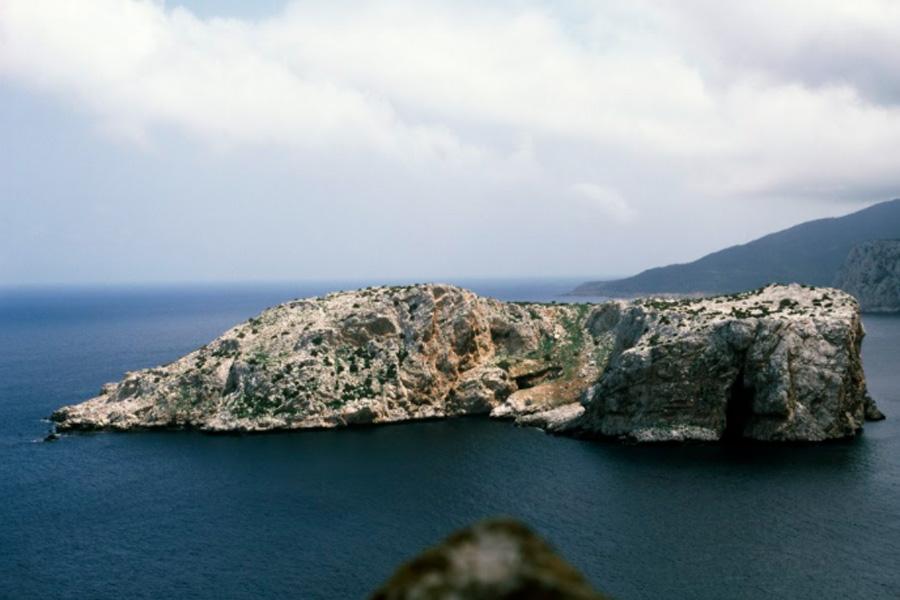 """Xavier Salaberría. Persil (isla, Latitud 35º 54' 48,11"""" N, longitud 5º 25' 03,34"""")', 2015"""