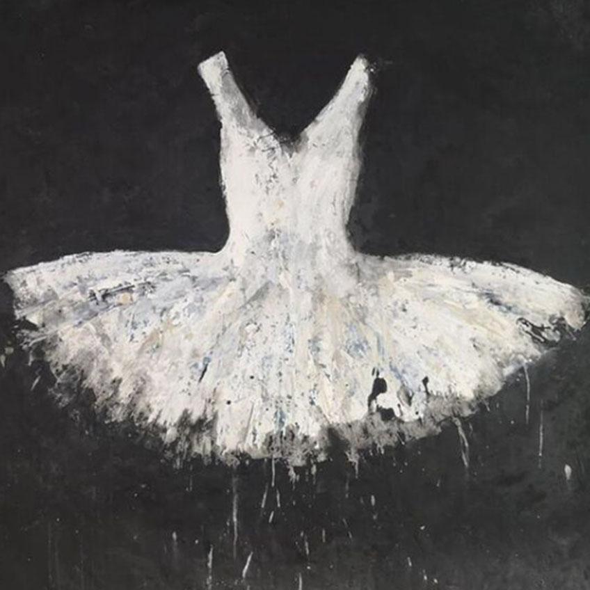 Ewa Bathelier. White Dress. Galleria Ca' d'Oro