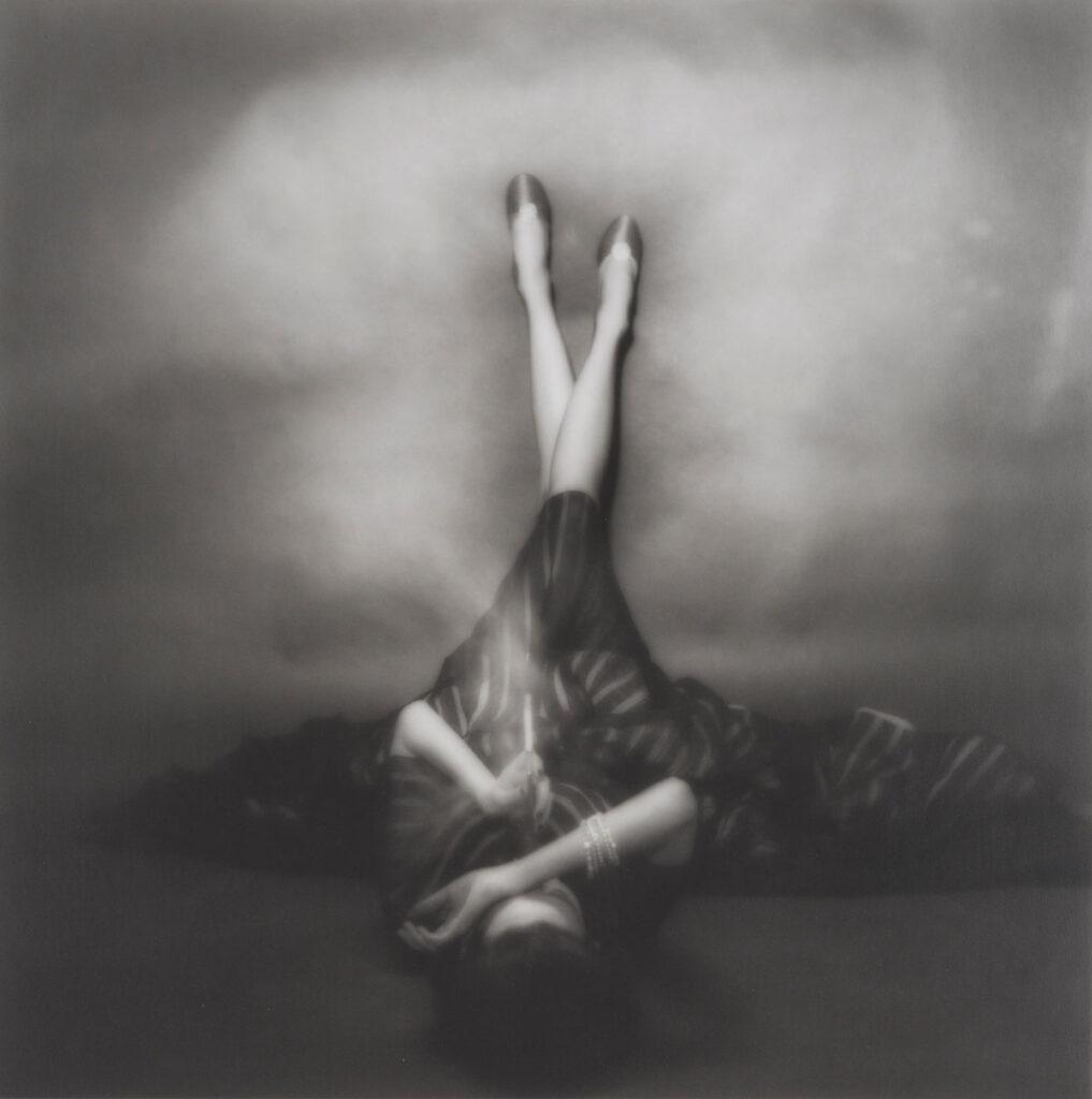 Erwin Blumenfeld. Le Décolleté, Victoria von Hagen, 1952. Vogue Nueva York