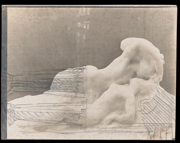 Auguste Rodin. Mujer besada por un fantasma, 1900. © Musée Rodin