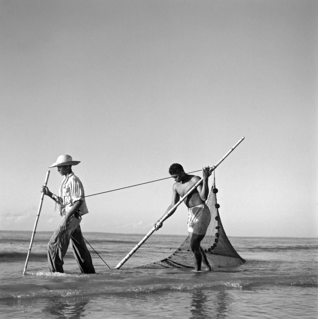 Marcel Gautherot. Pescadores, Isla Mexiana, Pará, c. 1943